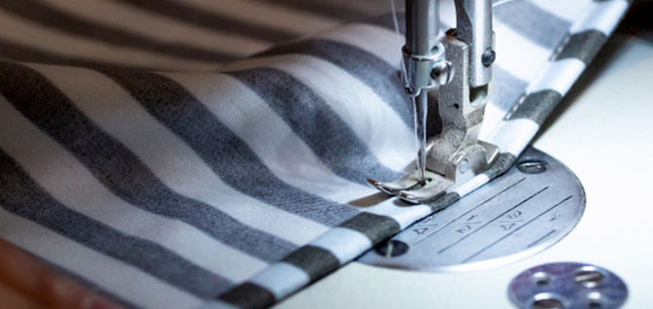 How-To-Close-A-Pillow-With-A-Sewing-Machine