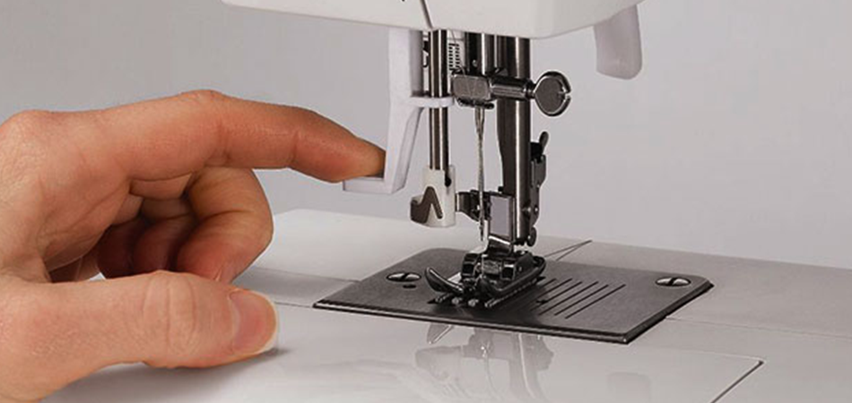 What-Causes-A-Needle-To-Break-On-A-Sewing-Machine