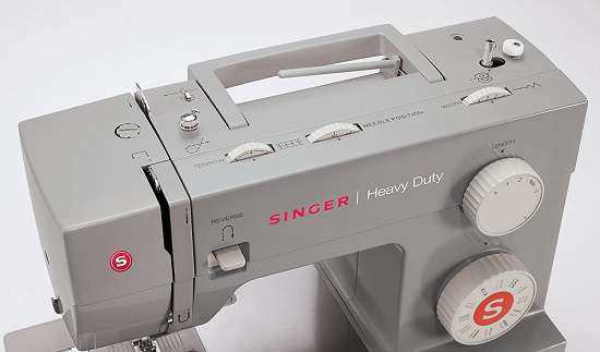 What are the Key Features of the Singer 4423 sewing machine